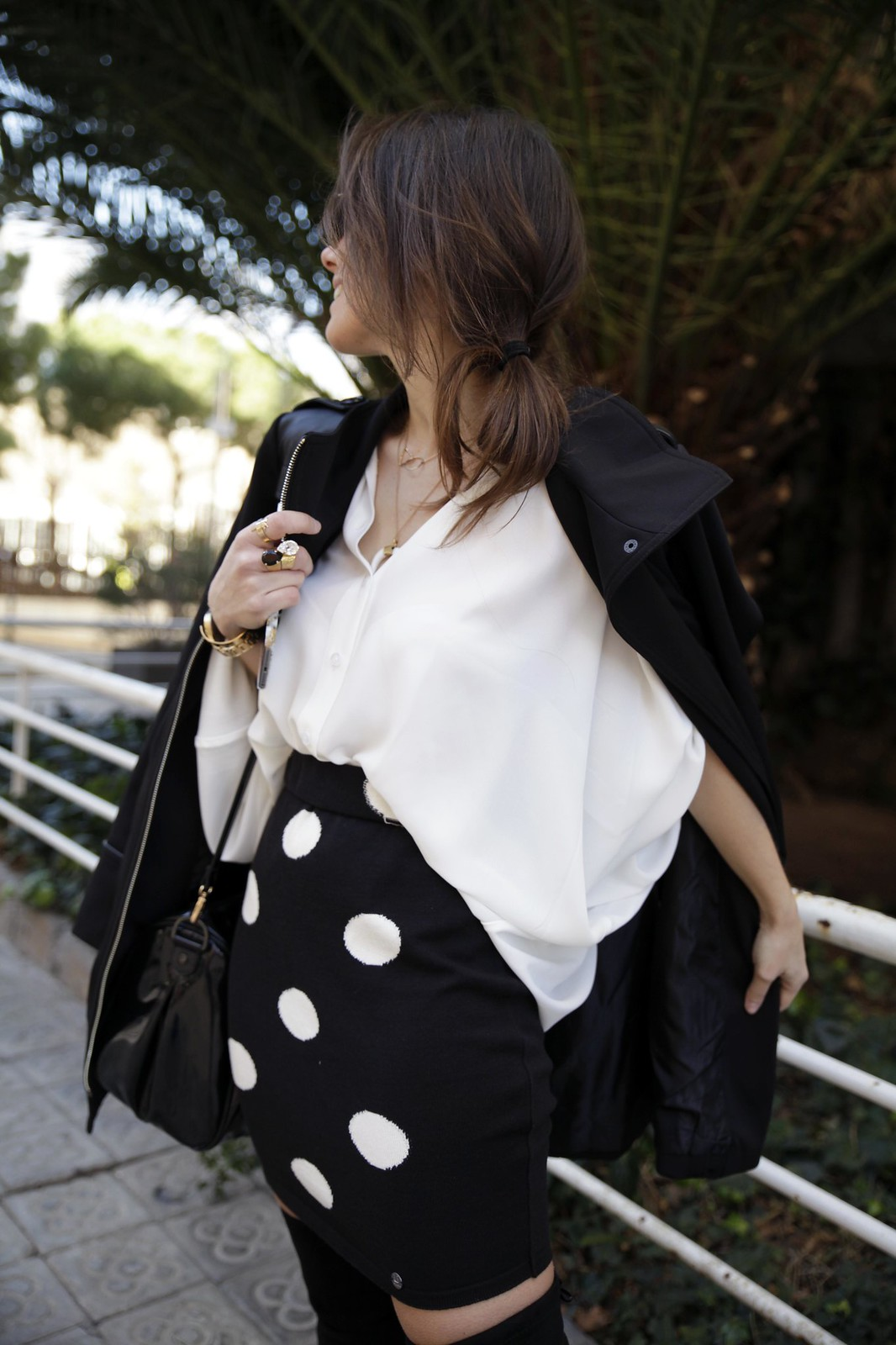015__skirt_dots_black_and_white_outfit_theguestgirl_ruga_shop_online_long_boots