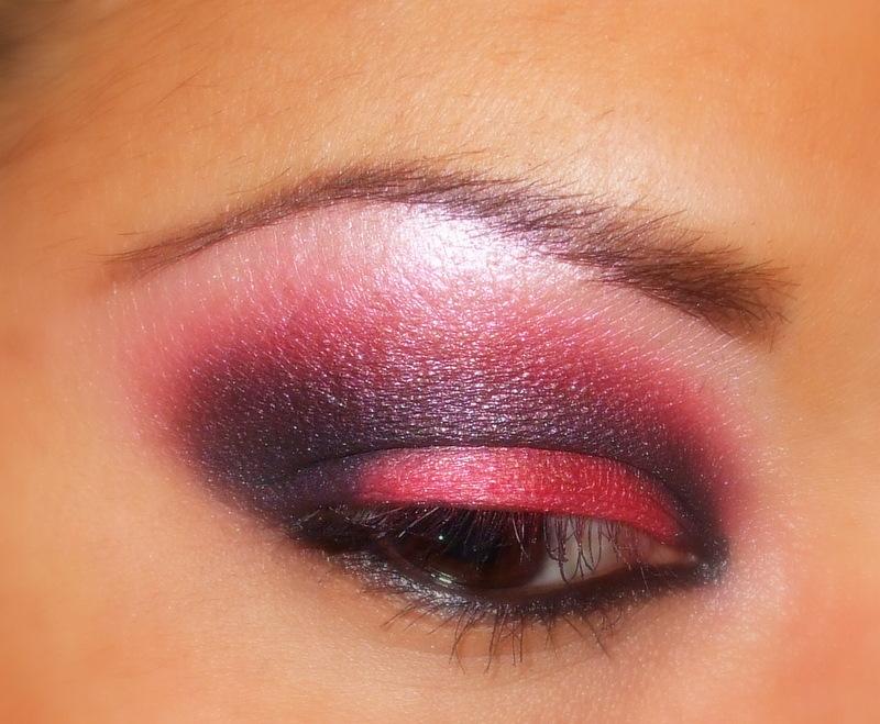 Red & Black eyeshadow