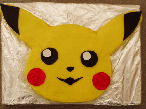 pikachu cake by **tWo pInK pOSsuMs**