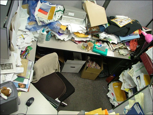 1950406926 f6b5c27392 z Keeping your office organized and safe