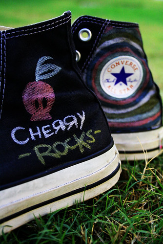 my new/old converse =P
