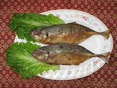 tilapia(0.0), mackerel(0.0), forage fish(0.0), sardine(0.0), milkfish(0.0), fish(1.0), fish(1.0), seafood(1.0), oily fish(1.0), food(1.0), dish(1.0), cuisine(1.0),
