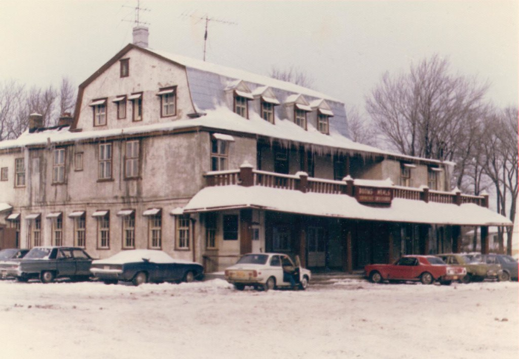 The Maples Inn, Pointe-Claire 1976