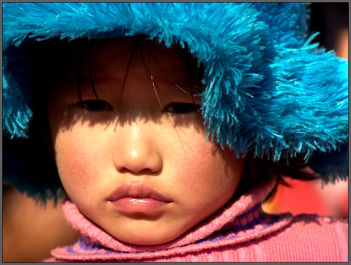 A little girl from Kaluk Bazaar per Sukanto Debnath a Flickr