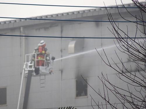 アスクル倉庫の火災 南西側の煙