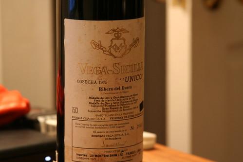 Una botella de Vega Sicilia