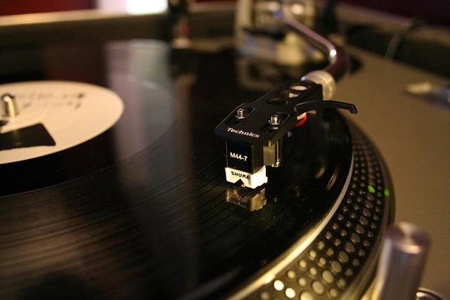 Turntable Technics DJ ...