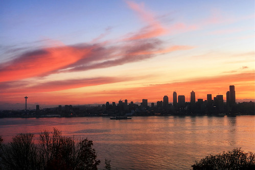 seattle sunrise washington downtown cityscape alki spaceneedle pugetsound elliottbay hamiltonviewpointpark davidhogan
