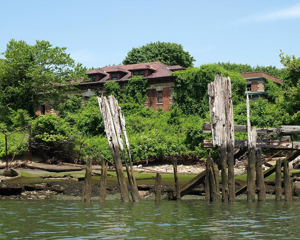 North Brother Island, East River, Bronx NYC