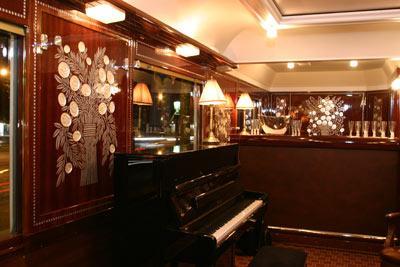 Hotel Restaurant Bleu France Eragny Cergy Rue Des Pinsons  Ef Bf Bdragny