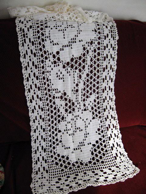 Filet runner patterns  Table Crochet Crochet  free Free Daffodils table Pattern crochet online Runner Free
