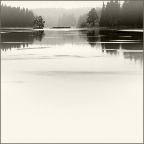 blackandwhite bw mist lake water photoshop suomi finland square landscape nikon scenery 100v10f d200 2008 kuopio blancinegre 500x500 abigfave ok6 goldenphotographer adoublefave ollik 20080103 haminalahti