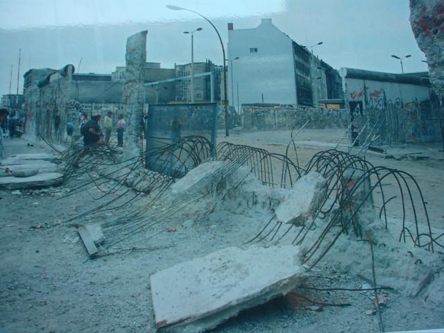 Destruction Of The Berlin Wall Berlin Wall (photo of ...