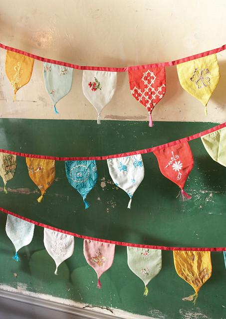 Vintage sari bunting flags @ Plümo