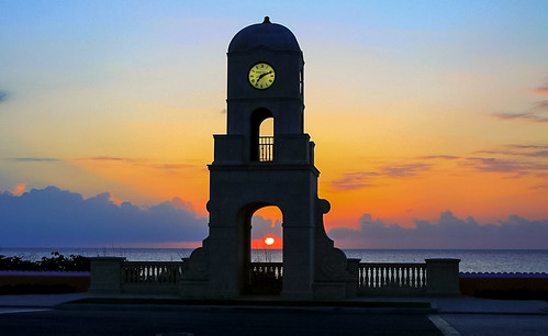palmbeachfl miamifl miamibeaches clock outdoors travelling tourism colors clouds exploration earlyinthemorning walking waterways sunrise beach beachscape seashore seascape