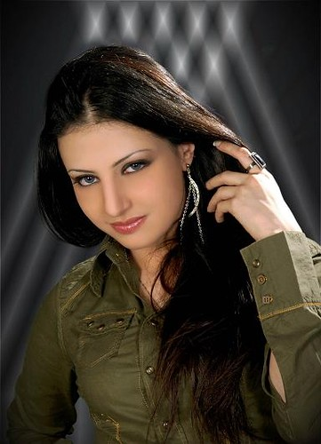 Saudi Arabian Beautiful Girls Photos