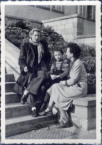 1952 Maiz mit Frau Feld and Tochler