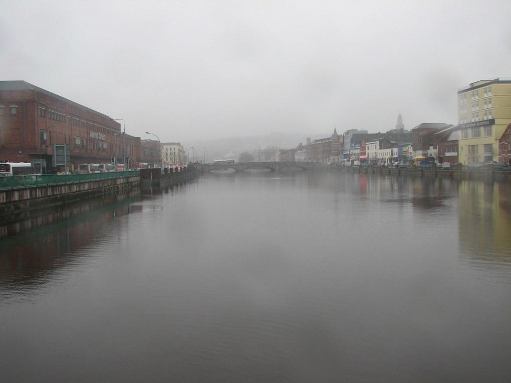 Cork im Nebel - authentischer geht's kaum!