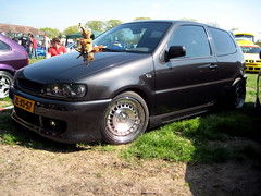 family car(0.0), automobile(1.0), automotive exterior(1.0), wheel(1.0), vehicle(1.0), city car(1.0), compact car(1.0), bumper(1.0), volkswagen polo(1.0), land vehicle(1.0), hatchback(1.0),