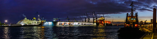 dock 10 hamburg germany landungsbrücken panorama night shot elbe bugsier