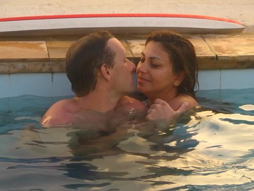 woman man love pool couple piscina peter selma ceara iguape views400 davidschoice