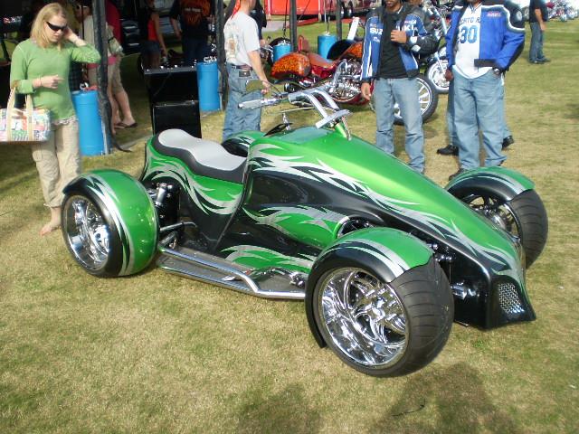 Cool Four Wheelers : Cool wheelers car interior design