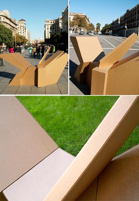 Escultura de cartón