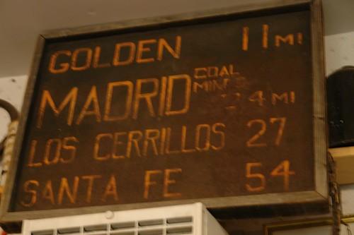 viejo cartel de distancias entre Madrid y las zonas de alrededor Madrid, la renacida ciudad fantasma - 2527428581 e5e75e6114 - Madrid, la renacida ciudad fantasma