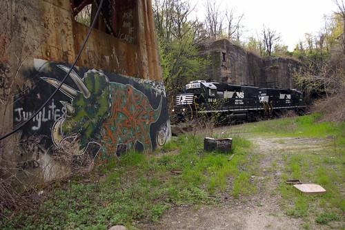 3tops-spring-train.jpg