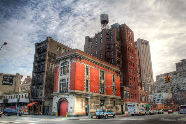 NYFD Hook and Ladder #8 (Ghostbusters Firehouse)