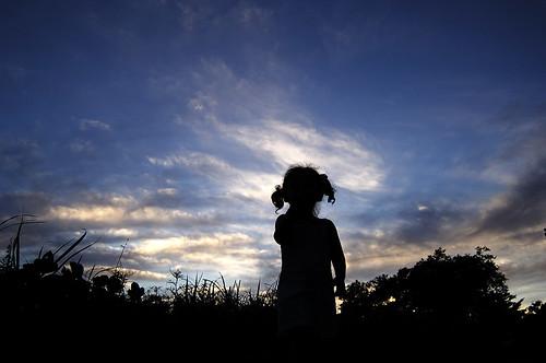 blue sunset sky silhouette kids clouds nikon korea busan rian af1835