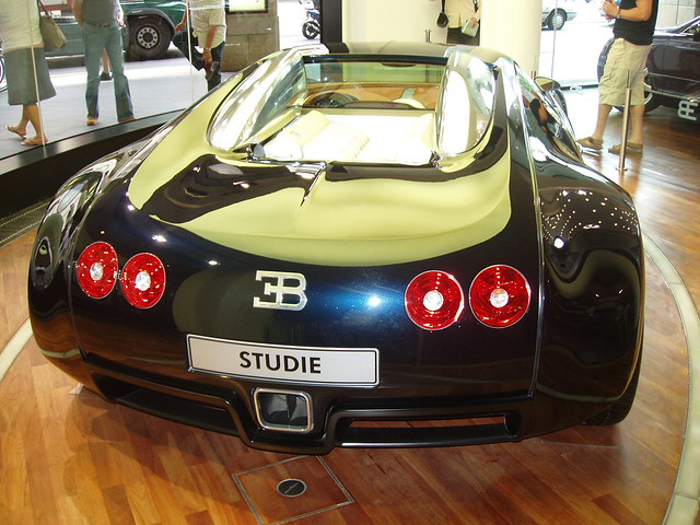 bugatti veyron rear flickr photo sharing. Black Bedroom Furniture Sets. Home Design Ideas