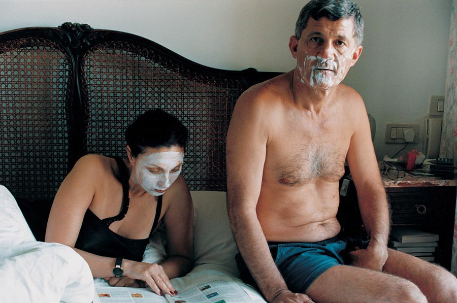裸體創造出家人間令人震驚的親密感:赤裸並不全然代表色情,也可以是親情27