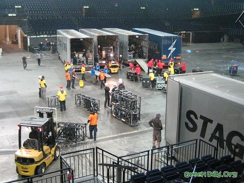 Stage deconstruction