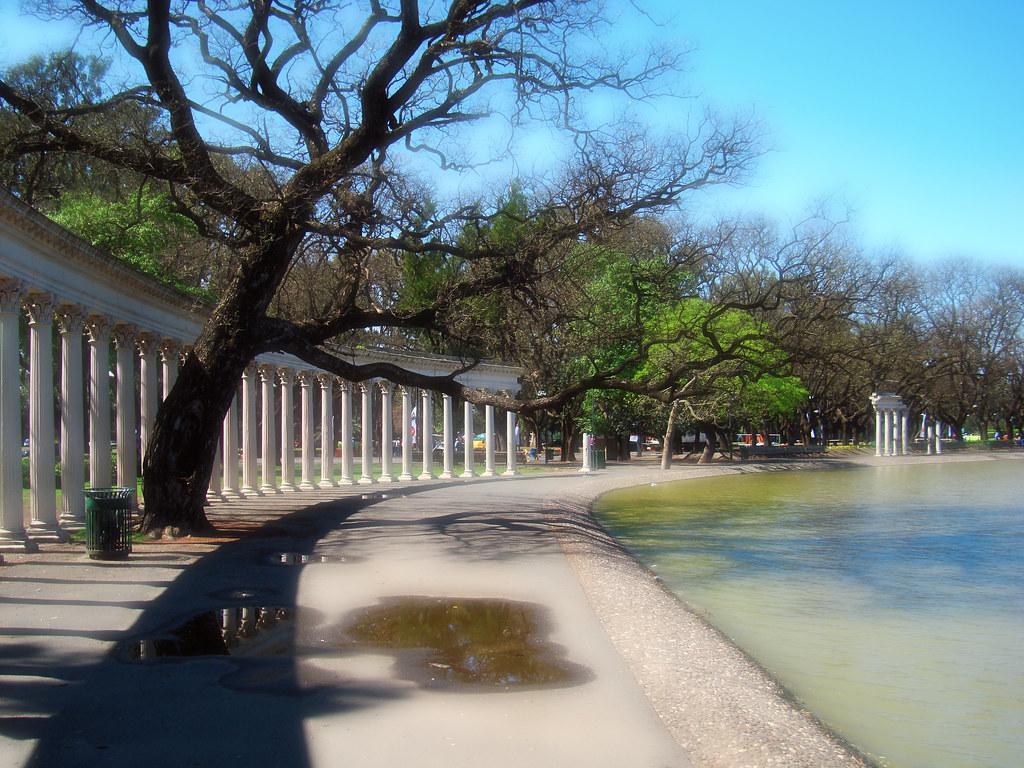 Columnas y Laguito - Parque Independencia - Rosario - Argentina