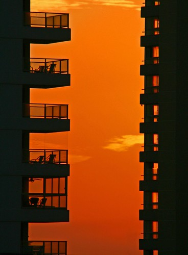 urban orange sun black building sol beach architecture sunrise canon uruguay gold image playa explore apartamentos marce exquisite puesta puntadeleste edifico arcitectura 400d mywinners marcelodasilva exquisiteimage marce™