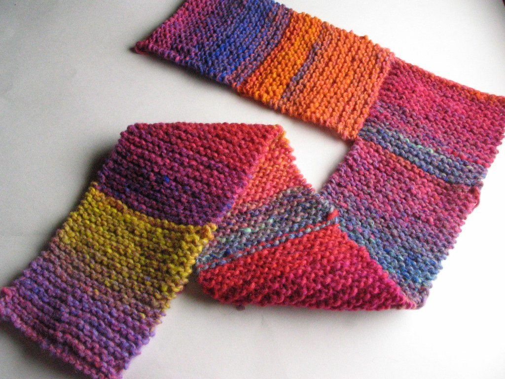 EASY TO KNIT SLIPPERS