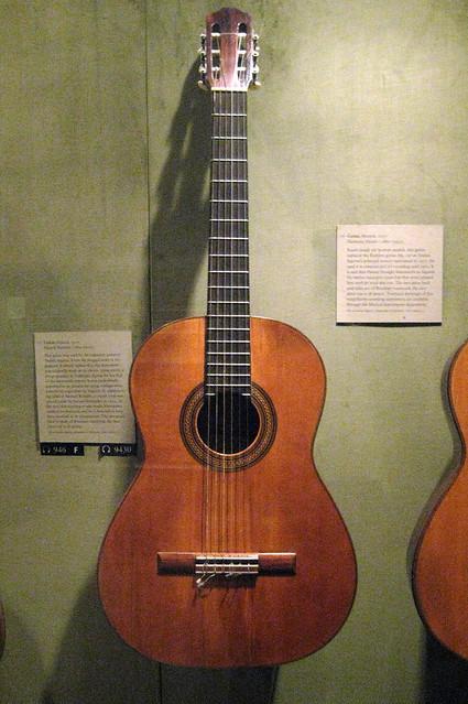 NYC - Metropolitan Museum of Art - Andrés Segovia's Guitar