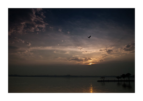blue sunset red orange india lake reflection bird silhouette yellow clouds landscape twilight nikon asia dusk 1855mm hyderabad waterscape d3000 hussiansagar