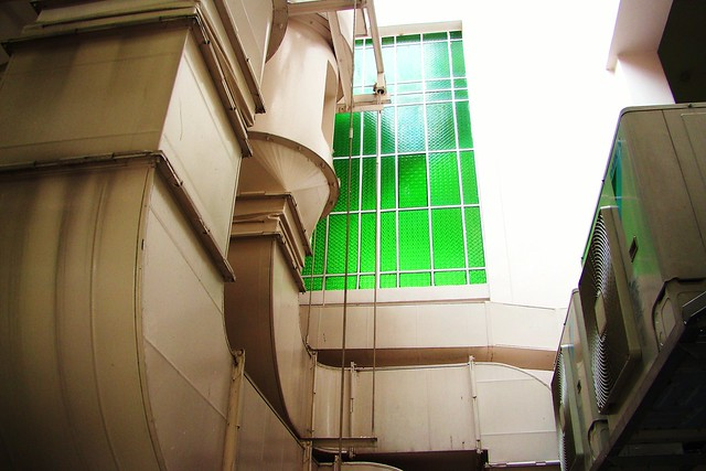 Green Window | Flickr - Photo Sharing!: flickr.com/photos/wongjunhao/2290453937