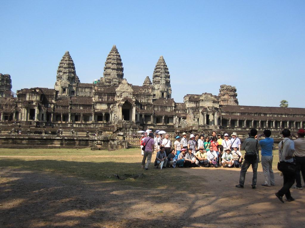 Angkor Wat Tourists