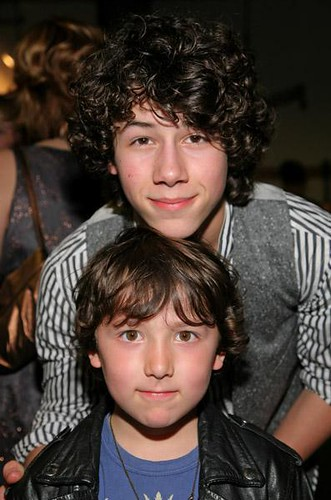nick j and bonus jonas frankie