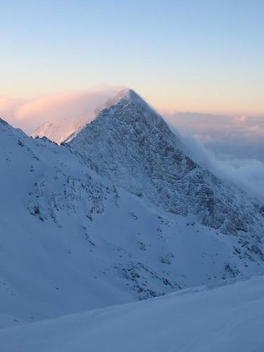 cloud mountain snow sunrise iran persia kermanshah mojtaba songhor shadmanrad dalakhani