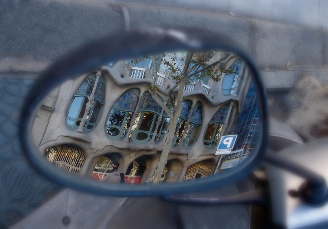 Reflecting on Casa Batlló