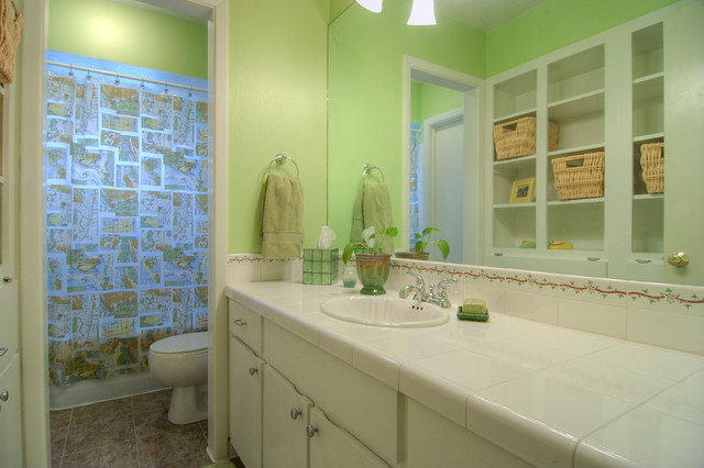 Lime green bathroom flickr photo sharing for Lime green bathroom ideas pictures