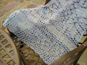 Simple Yarn-Over Shawl by Mary Joy Gumayagay