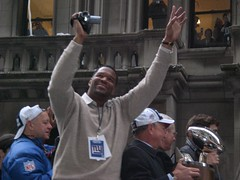 Michael Strahan Wavin' Hands In The Air...