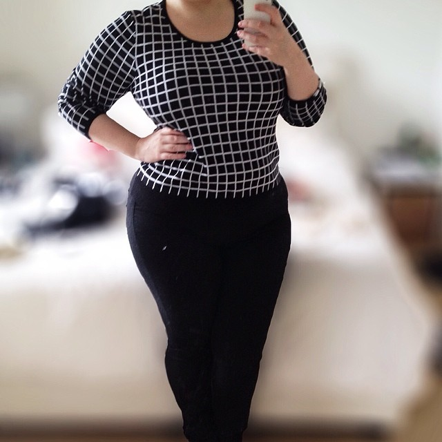 Another new purchase featuring black & white. I wore this to work yesterday & for dinner with my in-laws. Wearing #target jumper & #dorothyperkins jeggings. Both super comfy!