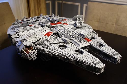 UCS Millennium Falcon: Front View