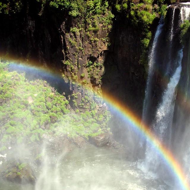 in rainbows, Nikon COOLPIX S7c